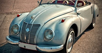 Oldtimers have revealed that how antique cars are better than modern high-tech automobiles