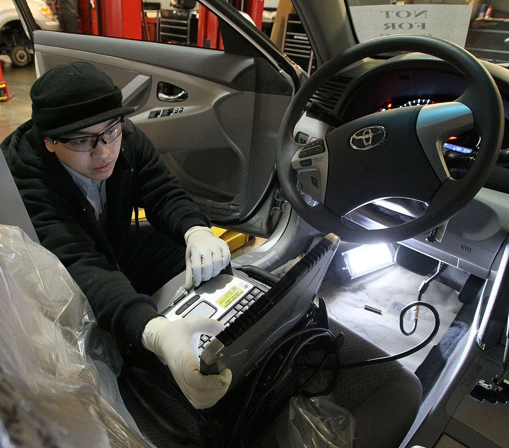 How to Find Employment In the Automotive Industry