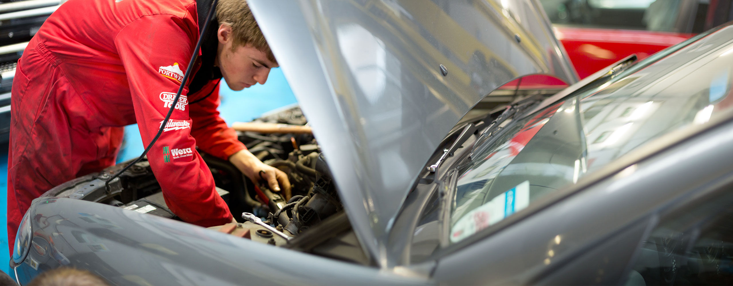 Points to Consider Regarding Availing Car Windscreen Services