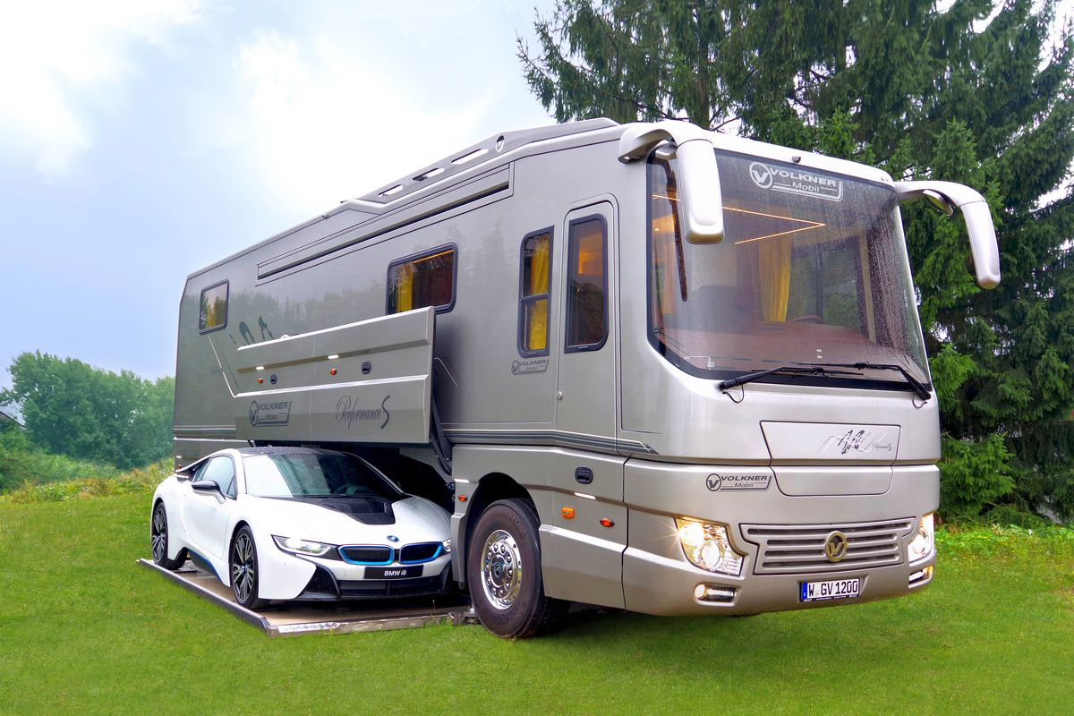 RVs - Its Advantages and How You Should Choose Them