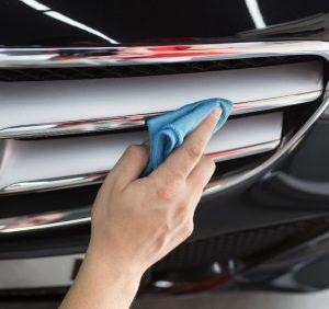 Professional vs. DIY Car Detailing